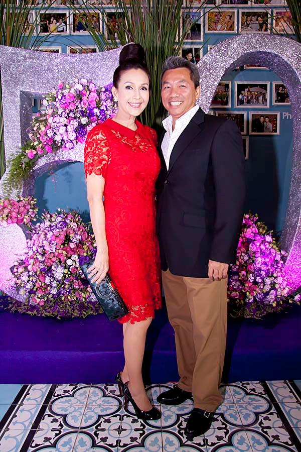 """Diễm My """"khoe"""" nhan sắc vượt trội của con gái trong lần sinh nhật thứ 50"""