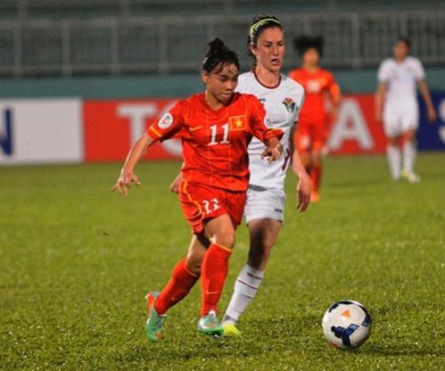 Thắng Hong Kong, đội tuyển bóng đá nữ Việt Nam vào tứ kết