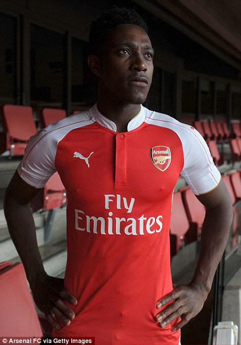 Dàn sao Arsenal xúng xính trong mẫu áo thi đấu mới