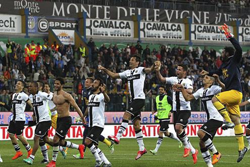Parma chính thức tuyên bố phá sản