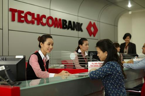 Techcombank nhận hai giải thưởng quốc tế từ Global Banking & Finance Review