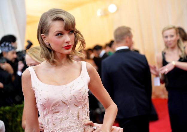 Taylor Swift quyên góp 50.000$ cho fan nhí mắc bệnh ung thư
