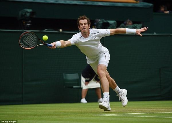 Vượt qua đối thủ dễ dàng Federer quyết chiến với Andy Murray tại bán kết Wimbledon 2015