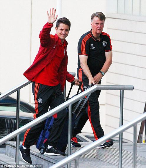 Vòng play-off Champions League: HLV Van Gaal thừa nhận M.U có nhiều áp lực