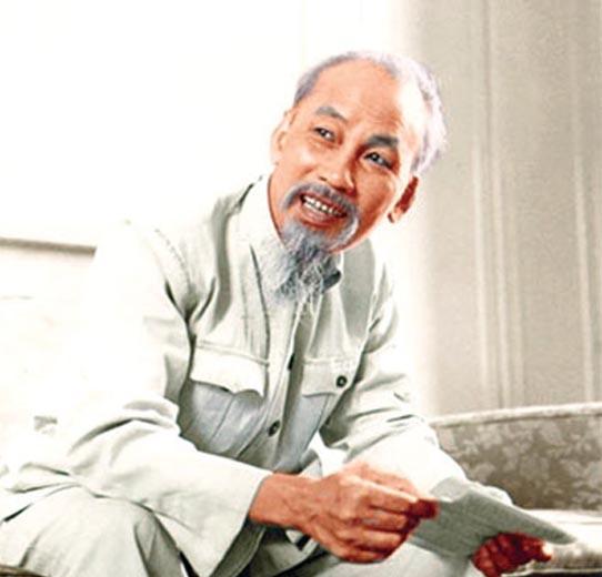 """Chủ tịch Hồ Chí Minh: """"Giúp dân, học dân để giúp mình thêm liêm khiết, thêm công bằng"""""""
