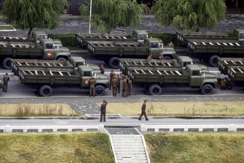Cận cảnh lễ duyệt binh lớn chưa từng có ở Triều Tiên