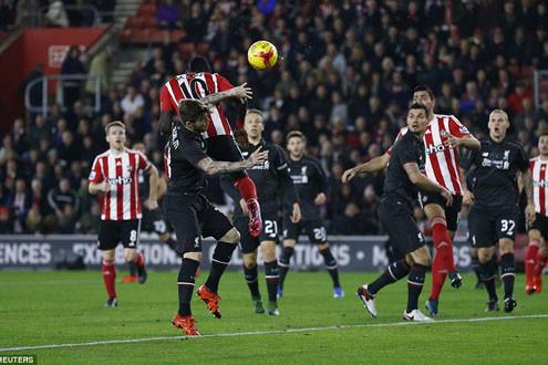 Southampton 1-6 Liverpool: Sturridge trở lại lợi hại hơn xưa
