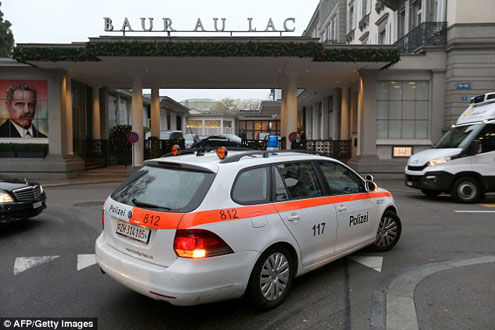 Nóng: Hai quan chức cấp cao của FIFA bị bắt giữ ngay tại Zurich