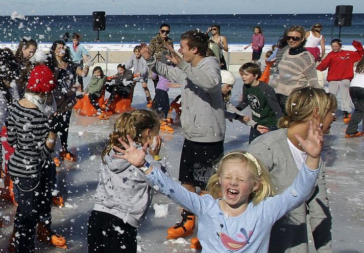 Chùm ảnh: Mùa đông và niềm vui trên sân băng