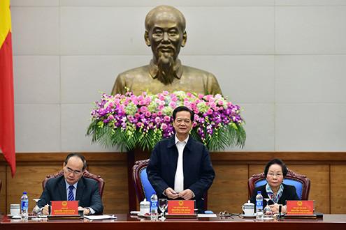 Thủ tướng Nguyễn Tấn Dũng: Cần quan tâm hơn đến khen thưởng người lao động trực tiếp