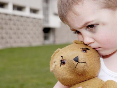 Những lưu ý khi dạy trẻ tự kỷ mà bố mẹ cần biết