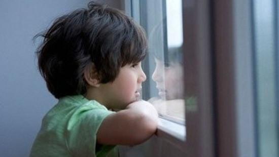 Trẻ dễ mắc bệnh tự kỷ khi mẹ sinh quá gần nhau