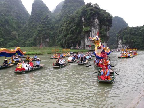 Lễ hội truyền thống Tràng An - Ninh Bình 2016
