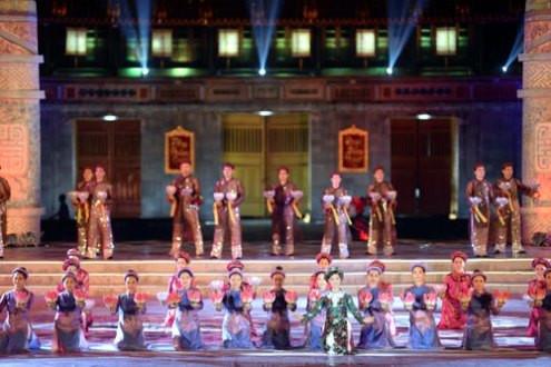 """Thừa Thiên Huế: Đêm khai mạc Festival 2016 với chủ đề """"Huế đẹp và thơ"""""""