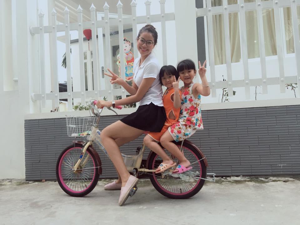 Ảnh hot sao Việt ngày 30/4: Sơn Tùng MTP tạo dáng