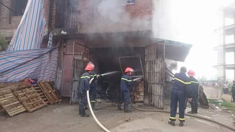 Hà Nội: Cháy lớn ở tòa nhà 4 tầng trong khu đô thị Văn Khê