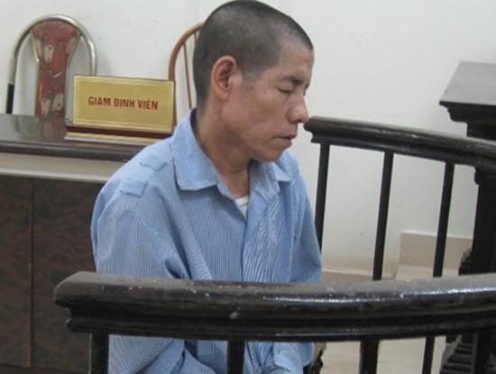 Giết cha rồi xin về nhà vì ở tù…quá khổ