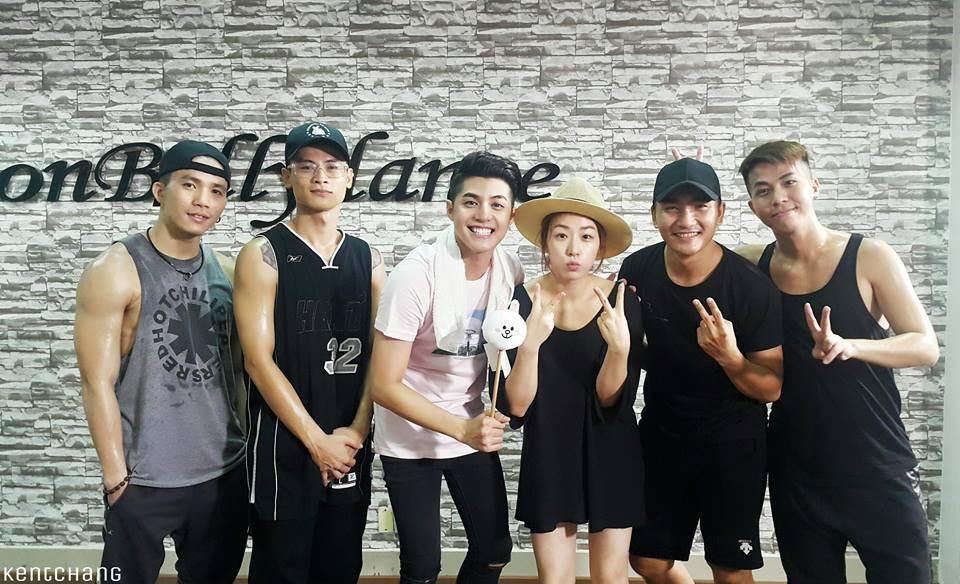 Noo Phước Thịnh chung sân khấu với sao Kpop hàng đầu tại Asia Song Festival 2016