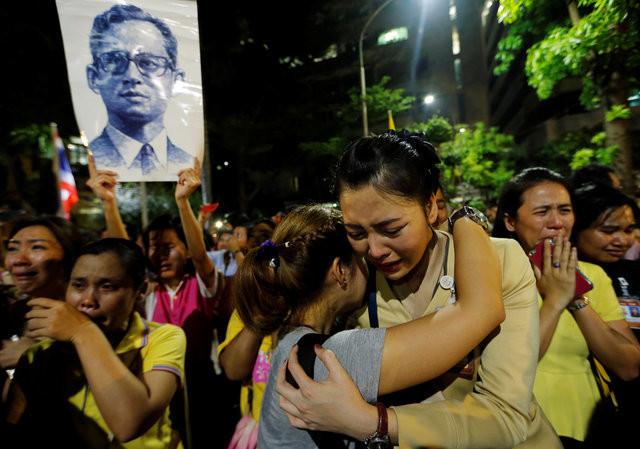 Quốc vương Bhumibol Adulyadej - Vị chúa ngự trị trong tim người dân Thái Lan
