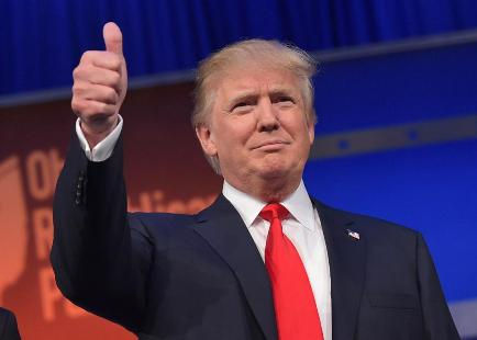 Tổng thống Mỹ Donald Trump cổ vũ Arsenal