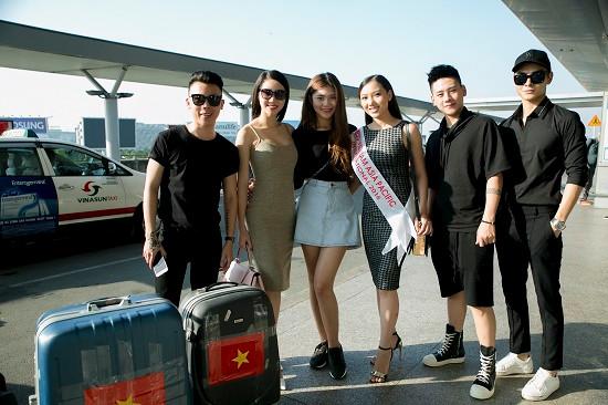 Học trò Hà Hồ ra tận sân bay tiễn Hoàng Thu Thảo dự Hoa hậu Châu Á Thái Bình Dương 2016