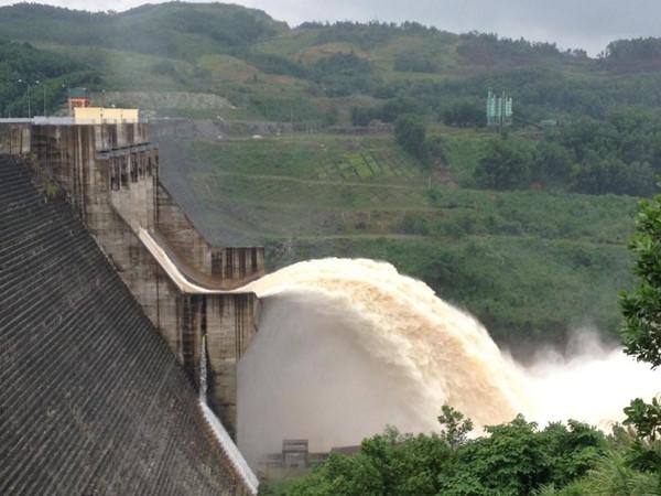 Quảng Nam: Thủy điện Sông Tranh 2 xả tràn