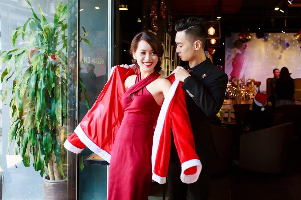 Nữ nghệ sĩ sáo Huyền Trang tưng bừng chào Giáng sinh