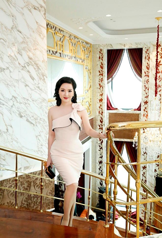 Hoa hậu Giáng My lại mê hoặc mọi ánh nhìn với nhan sắc vạn người mê