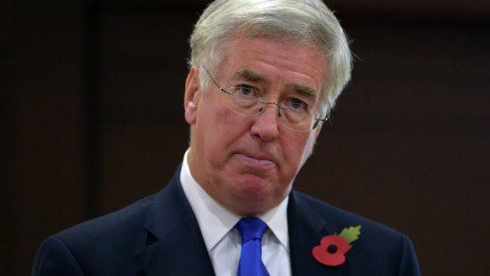 """Bộ trưởng Quốc phòng Anh: Đừng quên Nga là """"đối thủ cạnh tranh chiến lược"""""""