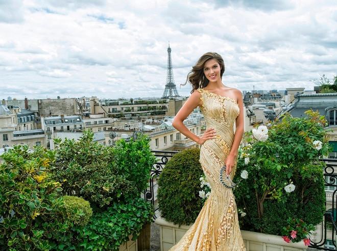 Hoa hậu Pháp 2016 hút hồn với đầm hoa trong suốt của NTK Hoàng Hải