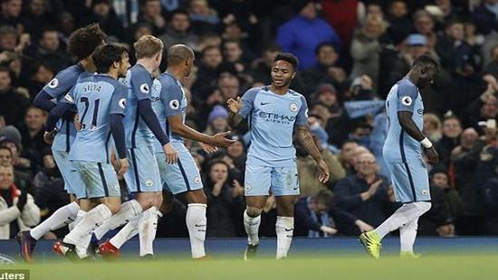 Man City ngược dòng đánh bại Arsenal