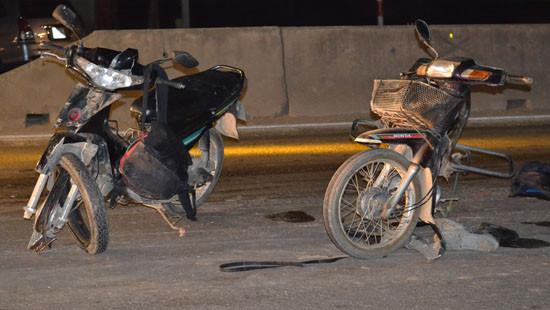 Nghệ An: Hai xe máy đâm nhau, 1 người nguy kịch