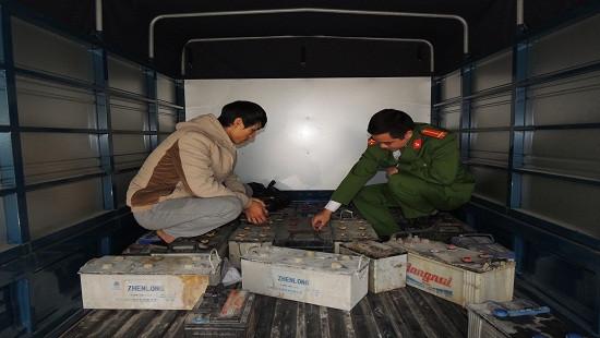 Hà Nam: Vận chuyển gần 800kg ắc quy chì phế thải bán kiếm lời