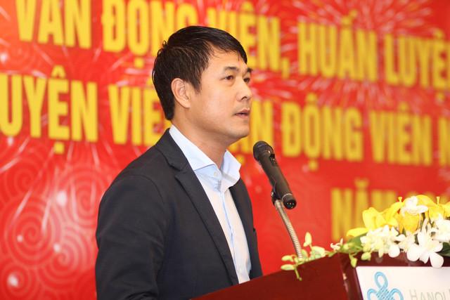 HLV Hữu Thắng: Đội tuyển Việt Nam cần bác sỹ nước ngoài