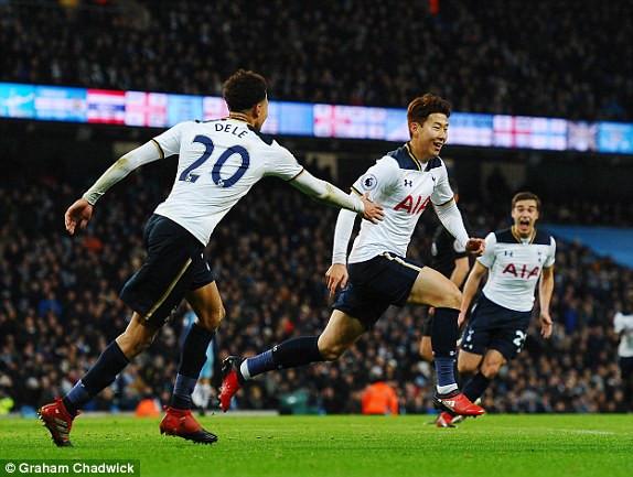 Man City-Tottenham: Pep đánh rơi...vàng