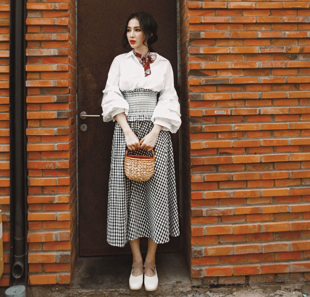 """Nhìn là mê hình ảnh """"cô gái miền Tây nước Mỹ"""" của Angela Phương Trinh"""