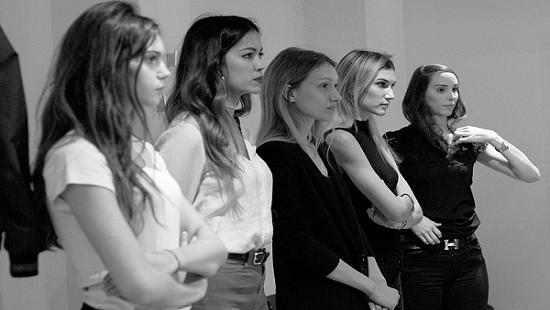 Nhiều mẫu quốc tế đua nhau casting cho nhà thiết kế Việt duy nhất tại Paris Fashion Week