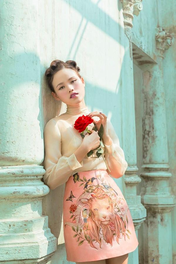 Tuyết Lan mang cả Châu Âu trong lần tái xuất làng thời trang Việt