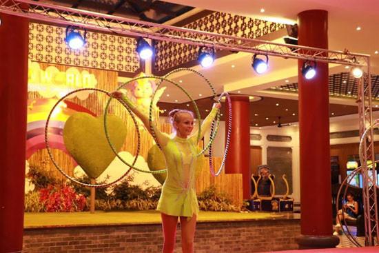 Tưng bừng chương trình biểu diễn nghệ thuật tại Sun World Danang Wonders