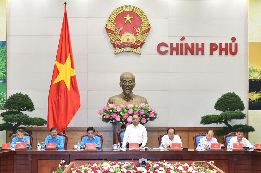 Thủ tướng: Tăng lương tối thiểu, các bên cần thảo luận thấu tình đạt lý