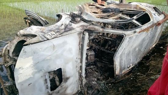 Vụ đốt xe Fortuner vì nghi bắt cóc trẻ em: Ai sẽ phải bồi thường?