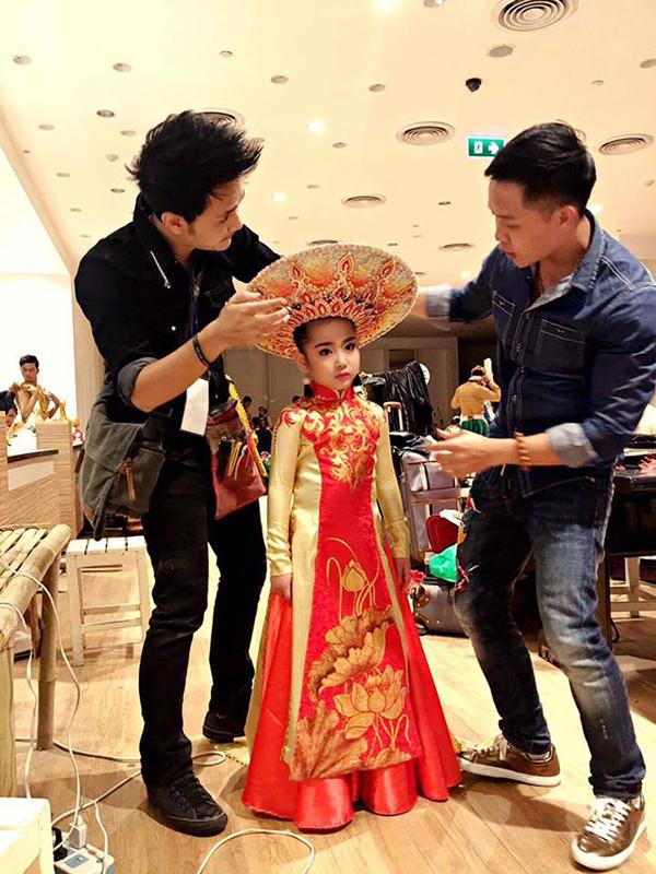 Hậu trường chuẩn bị cho các thí sinh Việt tham gia cuộc thi