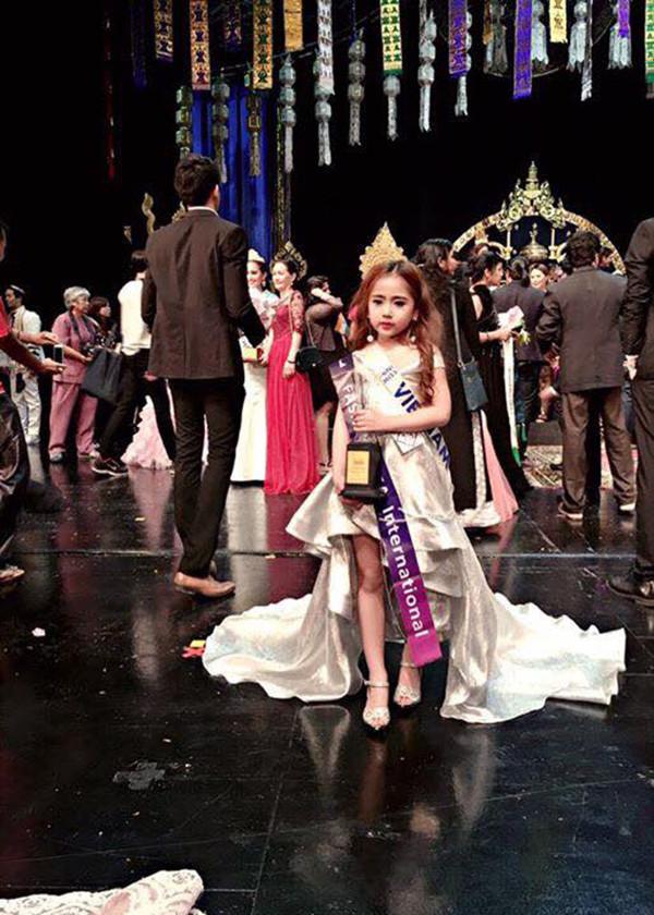 """Cuộc thi """"Hoàng tử và công chúa quốc tế"""": 4 em nhỏ Việt Nam thắng lớn"""