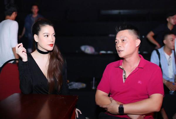 Hồ Ngọc Hà khoe vũ đạo bốc lửa ở buổi tổng duyệt Chung kết VNTM 2017