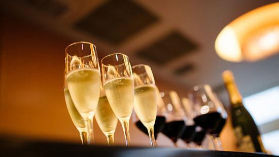 Từ 1/11, nghị định mới về kinh doanh rượu chính thức có hiệu lực