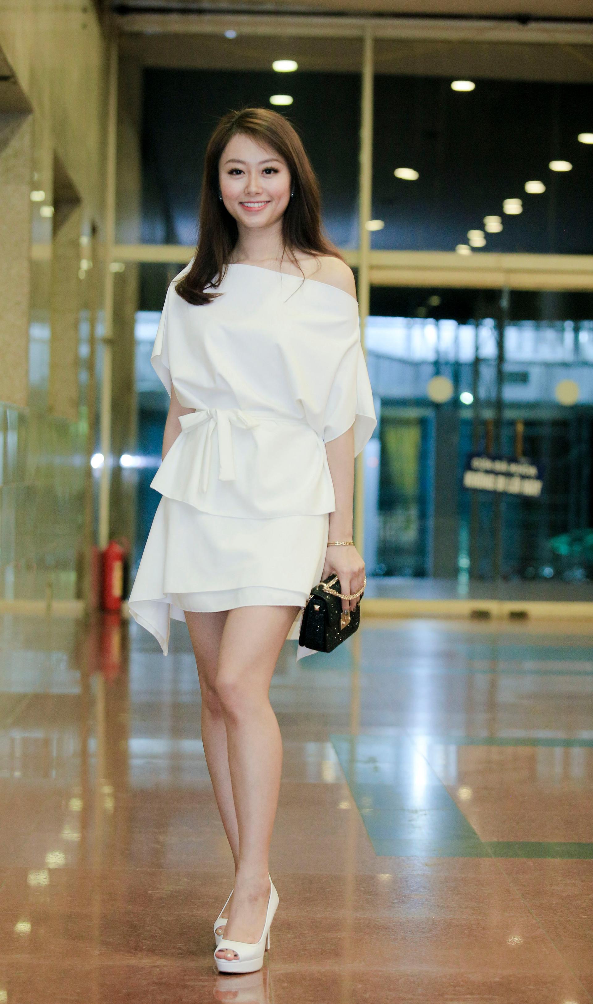 Hotgirl Trang Kiều rạng rỡ hội ngộ