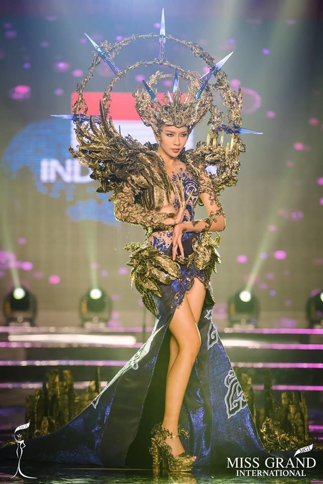 Không phải Huyền My, đại diện Indonesia mới dẫn đầu trang phục dân tộc đẹp nhất