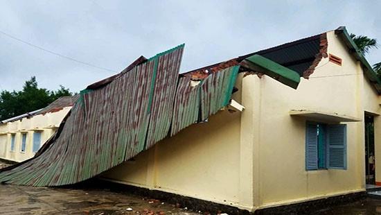 Đắk Lắk: Hàng trăm hộ dân bị cô lập, học sinh phải nghỉ học tránh bão