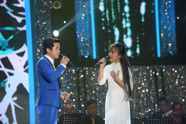 Quang Lê nhắc nhở thí sinh Tuyệt đỉnh song ca chỉ mải nhìn nhau trên sân khấu