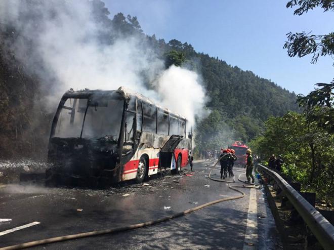 Thủ tướng biểu dương việc xử lý kịp thời vụ cháy xe khách trên đèo Hải Vân
